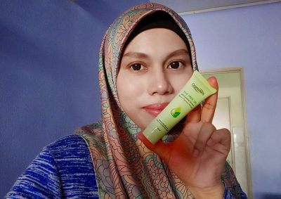 Cosmoderm Tea Tree Oil-Control Serum Wajah Lebih Lembap Berseri